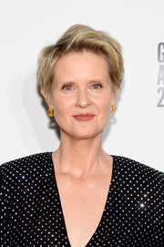 Cynthia Nixon sported a mildly messy short 'do at the 2018 Gotham Independent Film Awards.