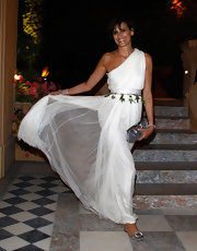 For the Women in Film celebration, Ins de la Fressange looked lovely in this Grecian white gown.