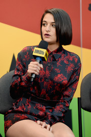 Jenny Slate looked adorable in a print blouse and coordinating shorts during New York Comic Con.