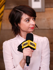 Kate Micucci sported an edgy-chic layered razor cut at the 2017 Sundance Film Festival.