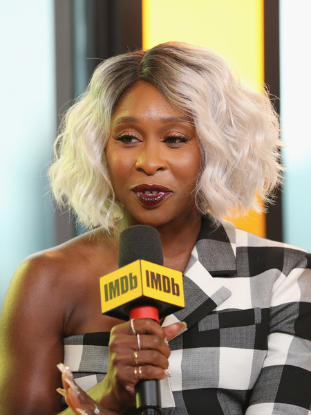 Cynthia Erivo rocked a silver curled bob with dark roots at the 2018 Toronto International Film Festival.