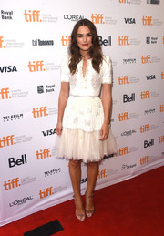 Keira Knightley elegantly rocked an embroidered Chanel Couture dress to the Toronto premiere of 'The Imitation Game'.