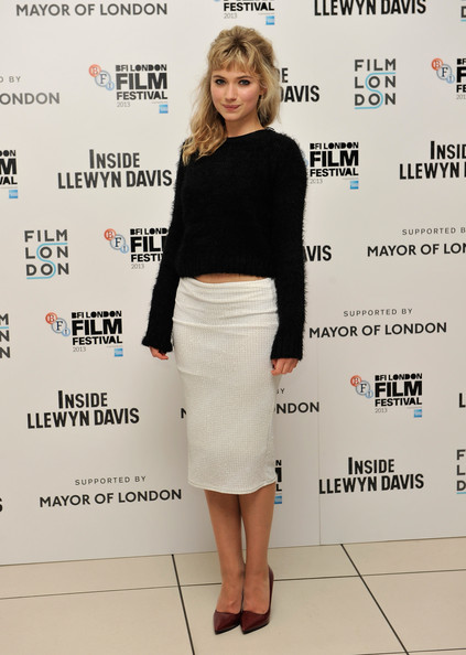Imogen Poots Pumps [inside llewyn davis,clothing,pencil skirt,fashion,shoulder,dress,footwear,waist,crop top,joint,leg,red carpet arrivals,mayor,mayor of london,imogen poots,odeon leicester square,london,of london,gala,bfi london film festival]