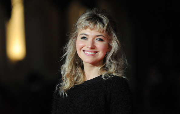 Imogen Poots Long Wavy Cut with Bangs [inside llewyn davis,hair,face,facial expression,blond,beauty,hairstyle,head,lady,smile,cheek,red carpet arrivals,mayor,imogen poots,screening,odeon leicester square,london,of london,gala,bfi london film festival]