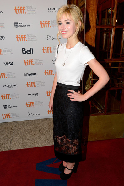 Imogen Poots T-Shirt [a late quartet premiere,clothing,red carpet,carpet,premiere,dress,hairstyle,fashion,flooring,blond,pencil skirt,imogen poots,toronto,canada,the elgin,2012 toronto international film festival]