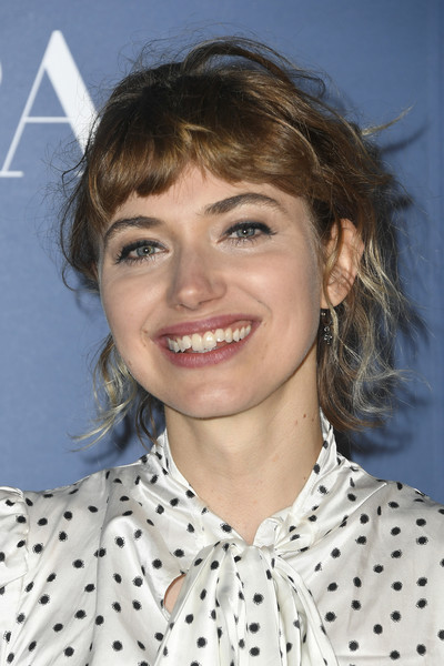 Imogen Poots Messy Updo [hair,hairstyle,eyebrow,chin,forehead,lip,blond,brown hair,smile,bangs,arrivals,imogen poots,tiff,toronto,canada,thr,hfpa,party,tiff party,toronto international film festival]