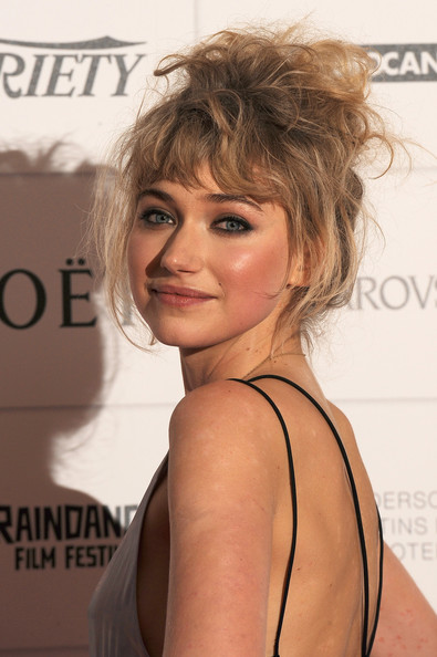 Imogen Poots Messy Updo [moet british independent film awards 2013,hair,hairstyle,face,blond,shoulder,chin,lip,brown hair,joint,layered hair,imogen poots,red carpet,moet british independent film awards,england,london,old billingsgate market,red carpet arrivals]