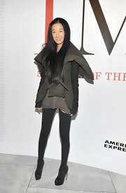 Vera Wang topped off her look with black platform pumps.