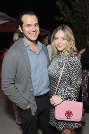 Sydney Sweeney showed off a cute pink shoulder bag at the InStyle and Kate Spade dinner.