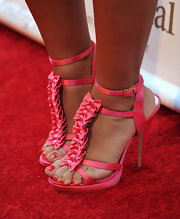 Francia rocked a killer pair of strappy pink sandals. Her ankle strap heels had cute bow embellishments which really brought them to life.
