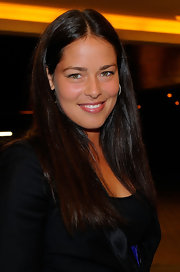 Ana Ivanovic let her natural gorgeousness shine through with this minimally styled center-parted 'do.