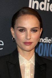 Natalie Portman wore her hair in a simple ponytail at the IndieWire Honors 2018.