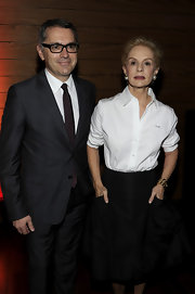 Carolina Herrera wore a simple yet stylish white button-down and black skirt combo to the Luxury Business Conference.