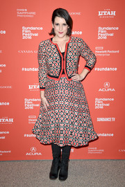 Melanie Lynskey toughened up her outfit with black lace-up boots.