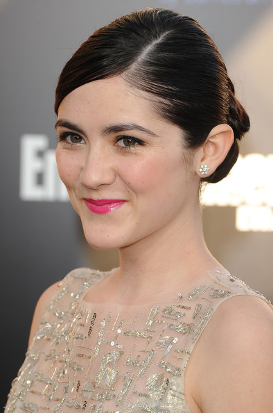 Isabelle Fuhrman Bobby Pinned Updo