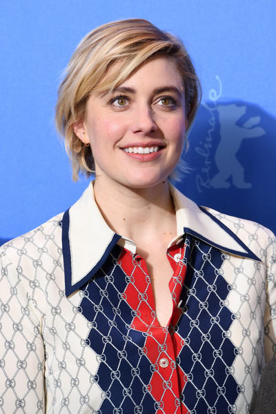 Greta Gerwig wore her hair in a casual bob at the Berlinale photocall for 'Isle of Dogs.'