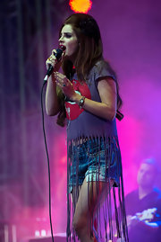 Lana Del Rey performed in a pair of rocker-approved studded denim shorts.