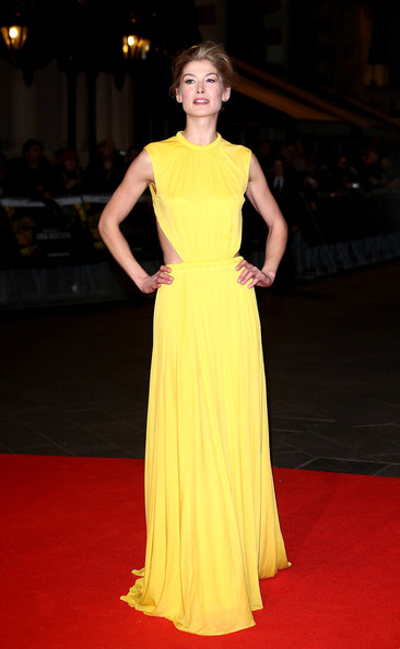 More Pics of Rosamund Pike Cutout Dress (1 of 13) - Cutout Dress Lookbook - StyleBistro