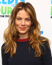 Michelle Monaghan wore her highlighted hair down in loose waves for her visit to 'Elvis Duran's Z100 Morning Show'.