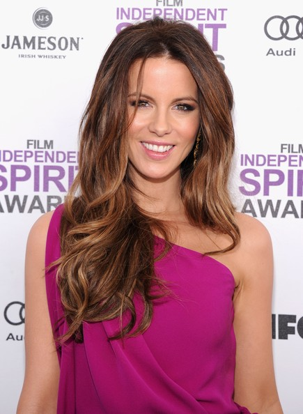 More Pics of Kate Beckinsale Lipgloss (1 of 11) - Lipgloss Lookbook - StyleBistro
