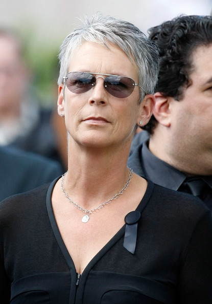 Jamie Lee Curtis Pixie [jamie lee curtis,tony curtis,tony curtis funeral,henderson,eyewear,hair,sunglasses,hairstyle,blond,glasses,fashion,lip,vision care,street fashion,funeral,palm mortuary cemetary,nevada]