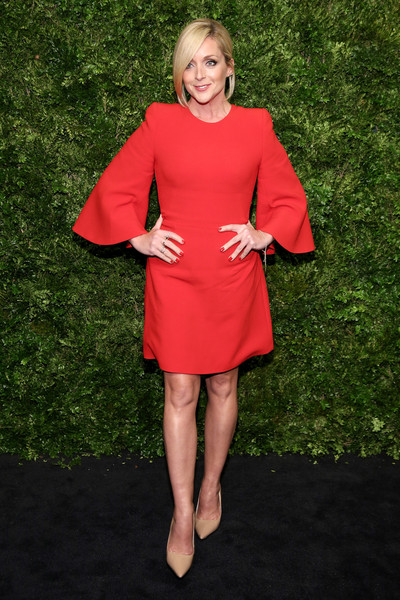 Jane Krakowski Cocktail Dress [red,clothing,pink,dress,shoulder,lady,joint,flooring,standing,fashion model,jane krakowski,cate blanchett,new york city,museum of modern art,8th annual film benefit honoring,8th annual film benefit honoring cate blanchett]