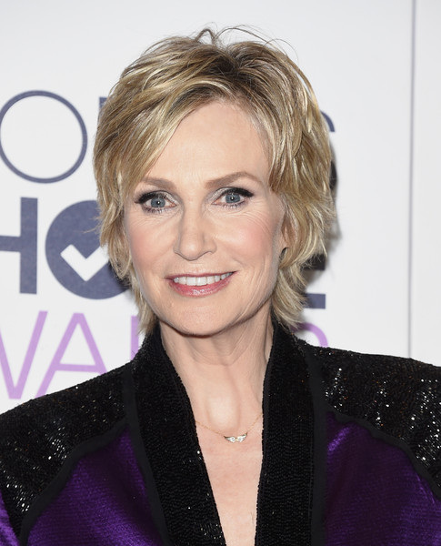 Jane Lynch Layered Razor Cut [jane lynch,peoples choice awards,hair,face,blond,hairstyle,eyebrow,chin,lip,forehead,layered hair,smile,room,press room,california,los angeles,microsoft theater]