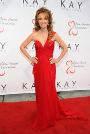 Jane Seymour looked unbelievably gorgeous at the Open Hearts Foundation celebration in this single-shoulder red gown.