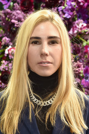 Zosia Mamet sported a casual straight style at the Jason Wu fashion show.