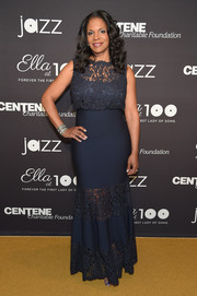 Audra McDonald looked supremely elegant in a navy lace-panel bandage gown by Tadashi Shoji at the Jazz at Lincoln Center 2017 Gala.