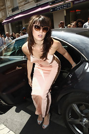 Daisy Lowe glammed it up upon her arrival to the Jean Paul Gaultier Haute Couture show in retro fab rosy cateyes.