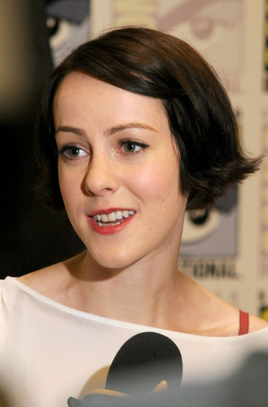 Jena Malone Short Side Part