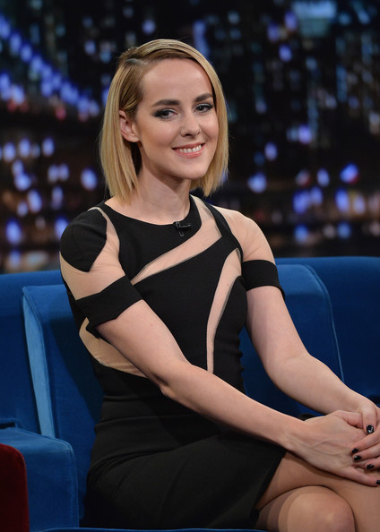 More Pics of Jena Malone Studded Heels  (1 of 11) - Heels Lookbook - StyleBistro [late night with jimmy fallon,lady,blond,sitting,thigh,leg,long hair,model,electric blue,television presenter,auto show,jena malone,new york city,rockefeller center,visits]