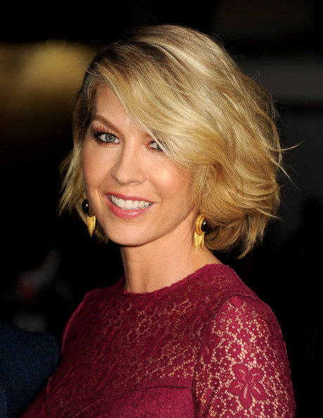 Jenna Elfman Bob [red carpet,identity theft,hair,face,blond,hairstyle,eyebrow,lip,chin,beauty,layered hair,bob cut,jenna elfman,california,los angeles,village theatre,universal pictures,premiere,premiere]