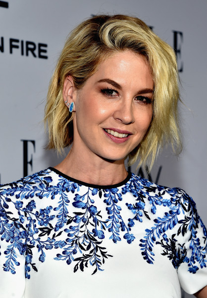 Jenna Elfman Short Wavy Cut