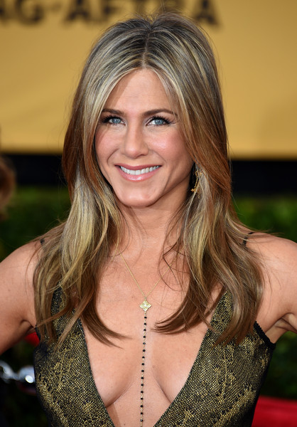 Jennifer Aniston Beaded Lariat Necklace [hair,blond,beauty,human hair color,hairstyle,lady,smile,girl,long hair,chin,arrivals,jennifer aniston,screen actors guild awards,los angeles,california,the shrine auditorium]