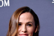 Jennifer Garner Medium Curls