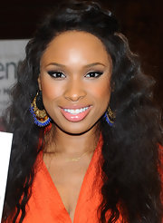 Jennifer Hudson wore shimmery taupe shadow to create her eye-enhancing effect at her book signing.