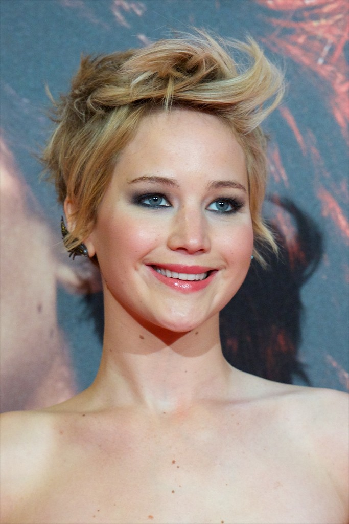Hairstyles 2017 Games : Jennifer Lawrence 39 S Long Hair Is Gorgeous Before And After Photos