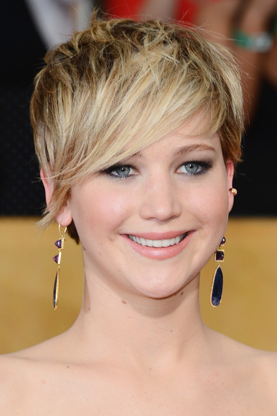trendy short hairstyles jennifer lawrence short layered hairstyle ...