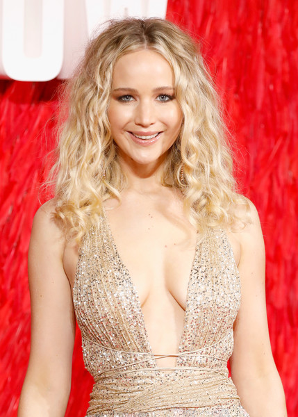 Jennifer Lawrence Medium Curls