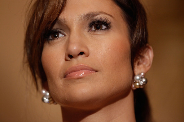 Jennifer Lopez Dangling Pearl Earrings