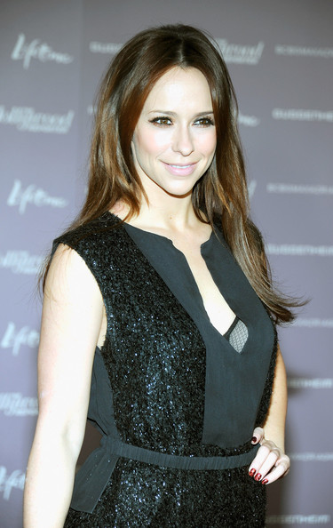 Jennifer Love Hewitt Nail Art