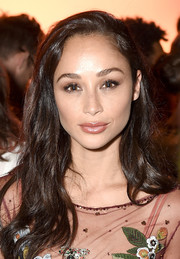 Cara Santana sported casual side-parted waves at the Jenny Packham fashion show.