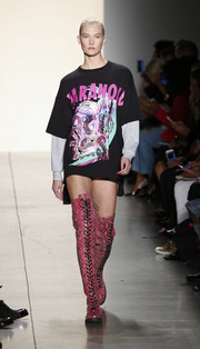 Karlie Kloss' pink thigh-high boots made a cool alternative to pants!