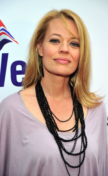 Jeri Ryan Long Straight Cut
