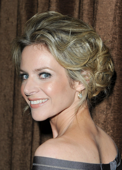 Jessalyn Gilsig Bobby Pinned Updo