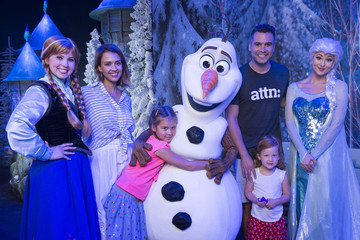 Jessica Alba Honor Warren Jessica Alba, Cash Warren and Daughters Visit Walt Disney World