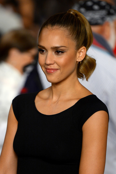Jessica Alba Cat Eyes