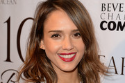 Jessica Alba Medium Wavy Cut